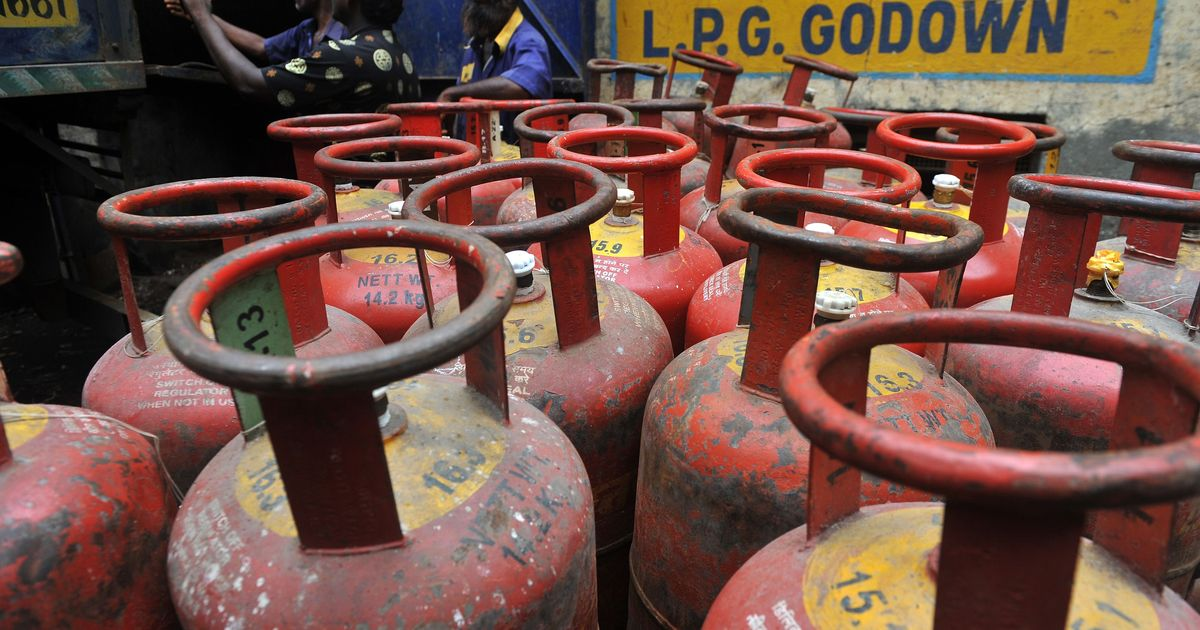 Oil Companies hikes LPG gas price by Rs 93 today