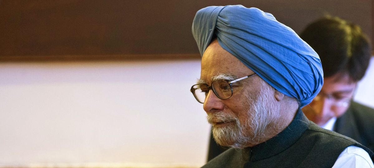Demonetisation: The worst is yet to come, says former PM Manmohan Singh
