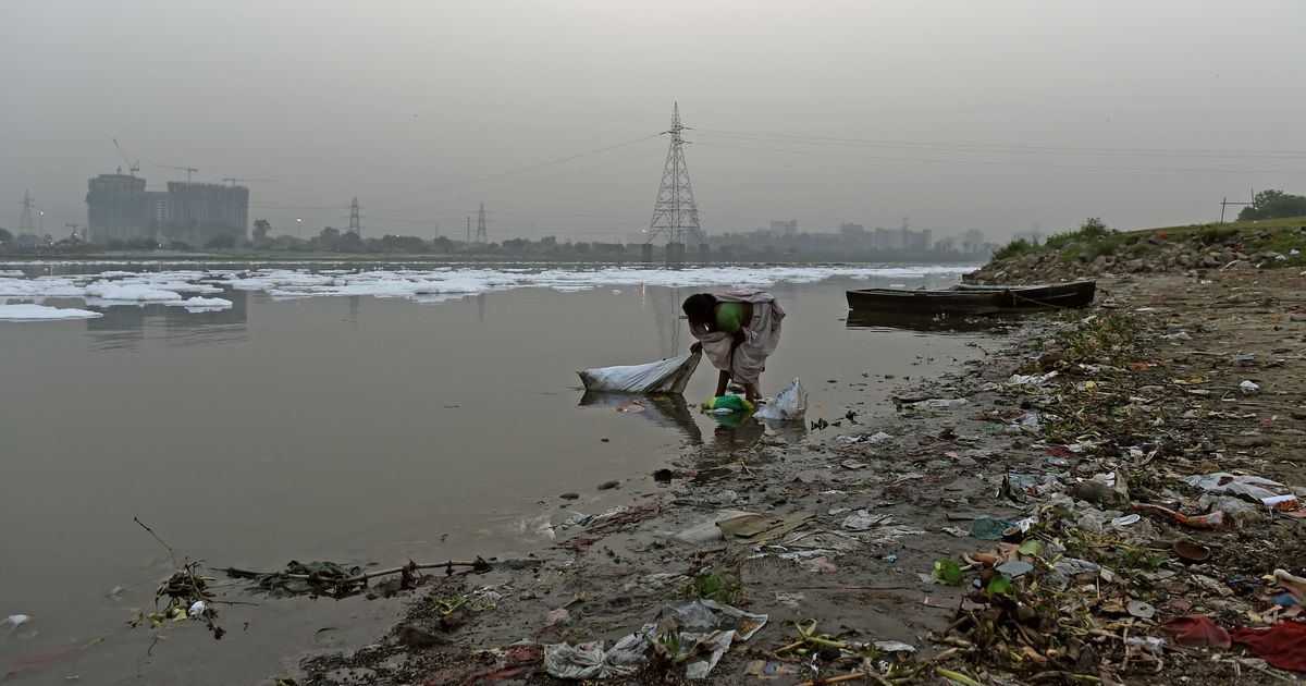 NGT bans open defecation on Yamuna floodplains
