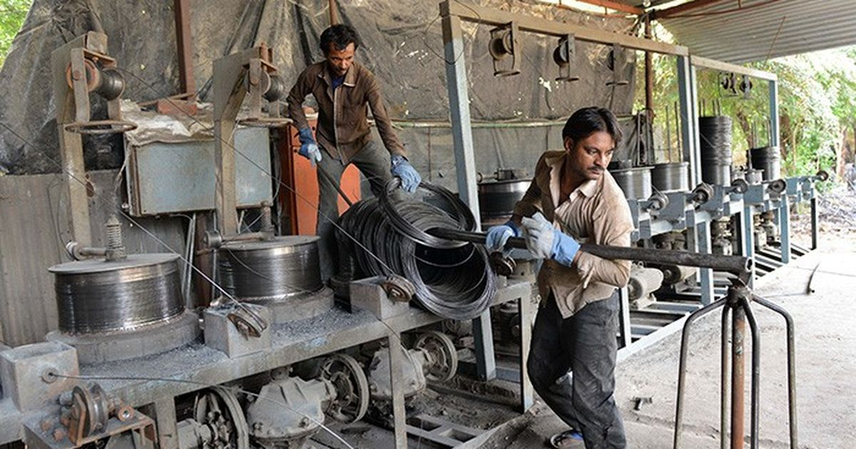 eee7aad206af92 Months after note ban, Centre revives changes to labour law that will  affect over 50% of factories