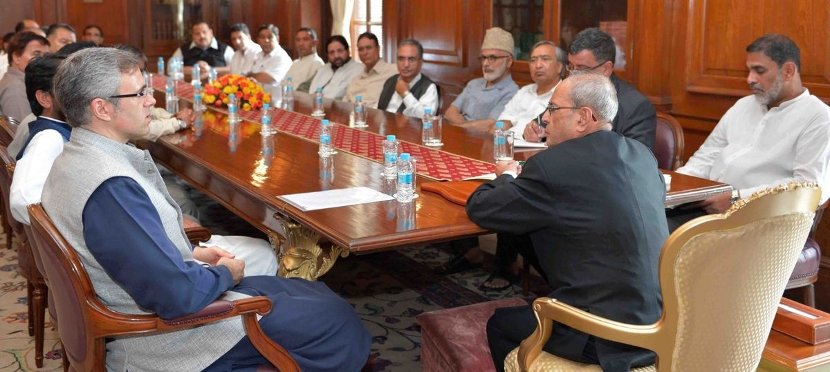 Jammu and Kashmir opposition parties meet with Pranab Mukherjee over ongoing crisis in state