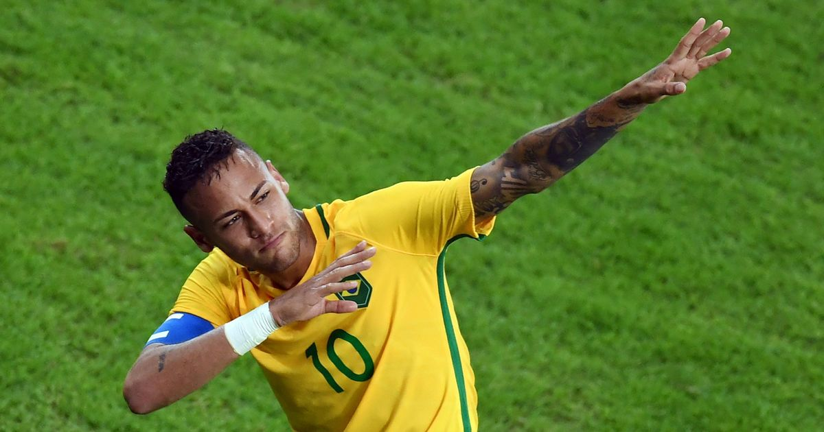 Almost fit Neymar return to Paris boosts World Cup hopes