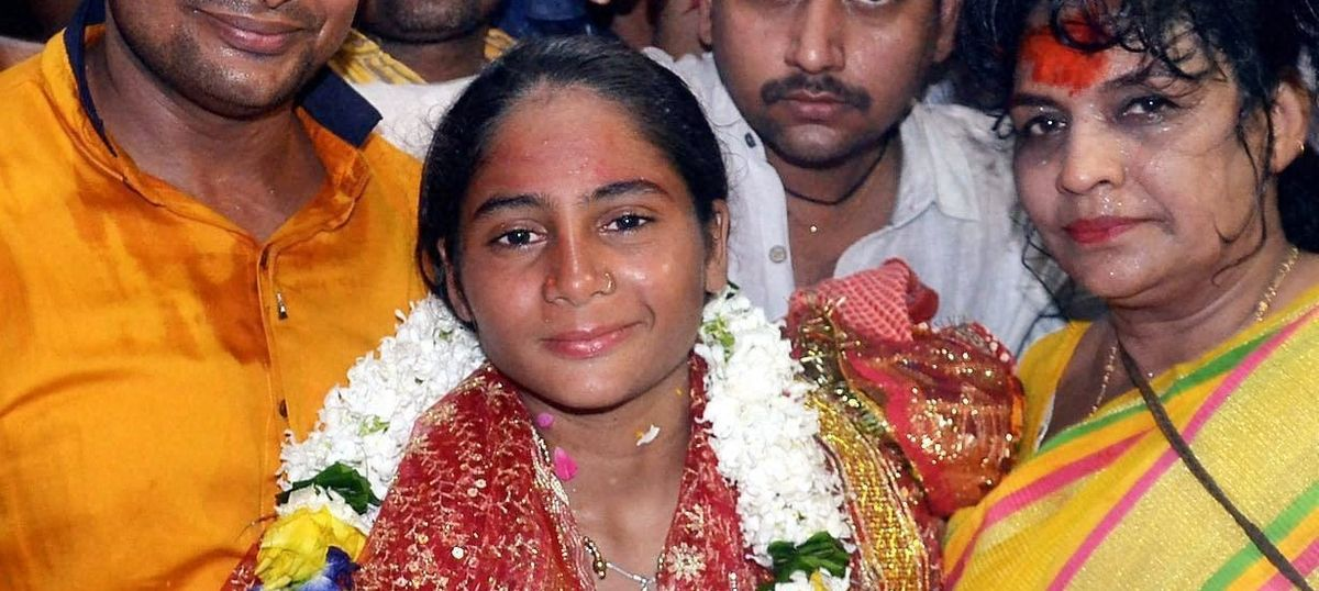 UP child rights panel orders inquiry into 12-year-old girl swimming 570 km from Kanpur to Varanasi
