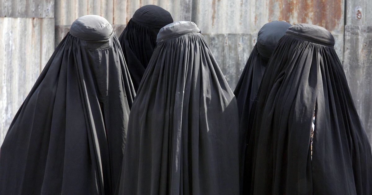 डेनमार्क में बुरक़ा-नक़ाब पर एक अगस्त से प्रतिबंध