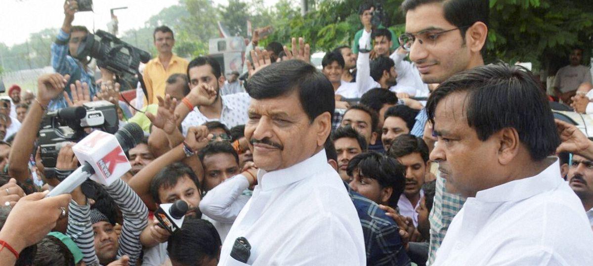 Shivpal Yadav gets back cabinet portfolios after Samajwadi Party chief Mulayam Singh's intervention