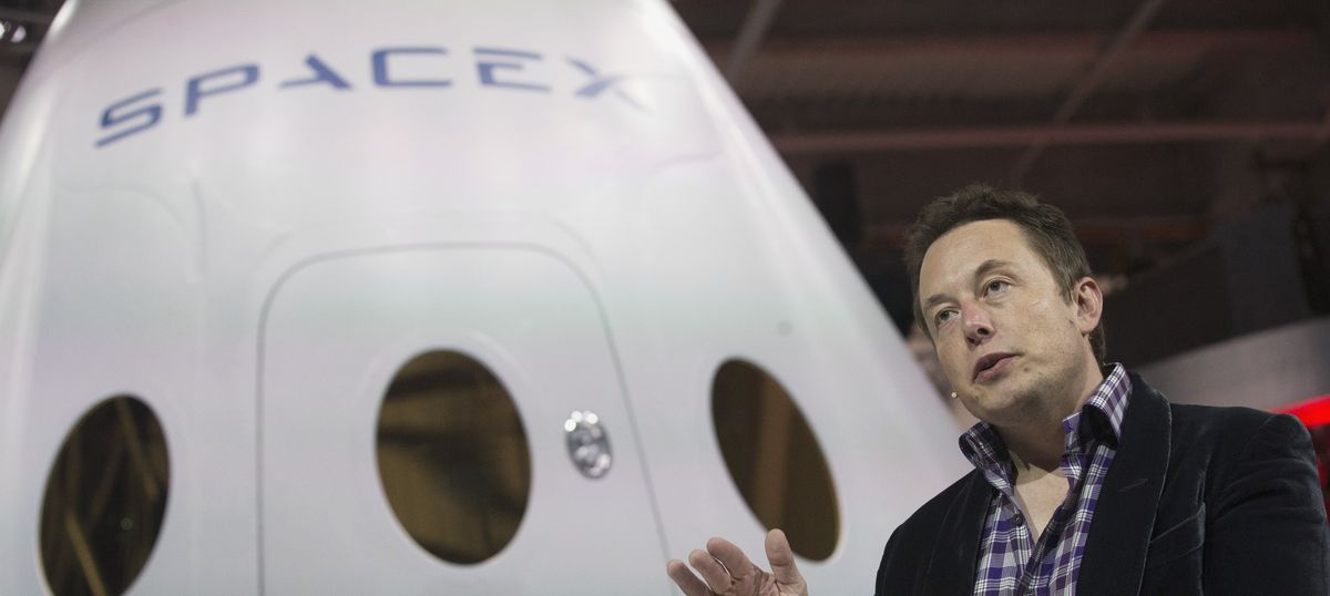 SpaceX wants to launch its first unmanned mission to Mars in 2022
