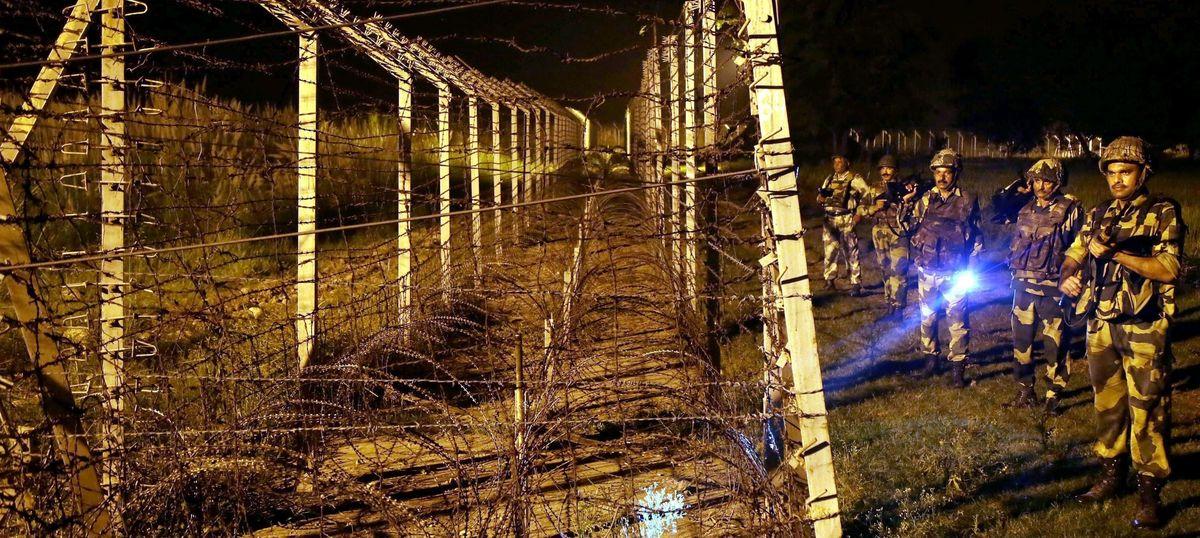 जम्मू-कश्मीर : पाकिस्तान की तरफ से हुई गोलाबारी में बीएसएफ का एक जवान शहीद
