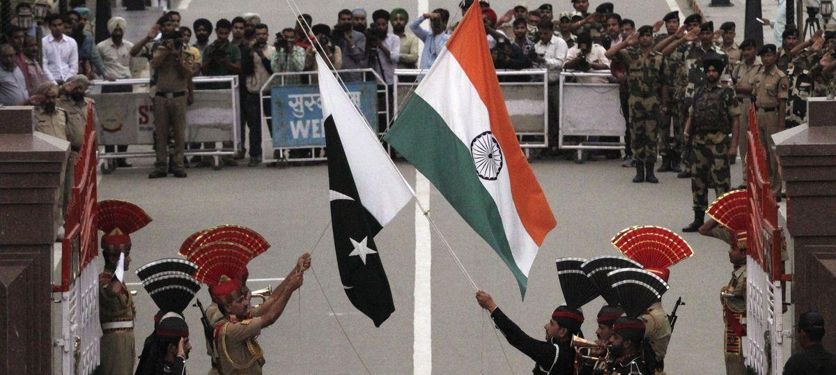 पाकिस्तान से भारतीय अधिकारियों को वापस बुलाए जाने सहित आज के अखबारों की प्रमुख सुर्खियां