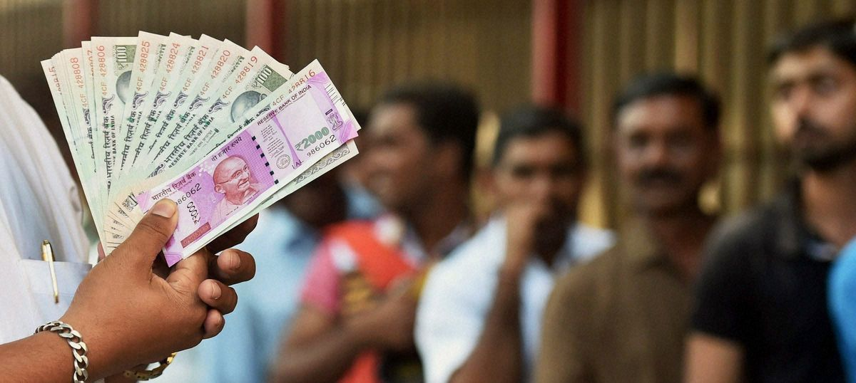 Demonetisation: Old notes to be accepted at government hospitals, fuel pumps till November 24