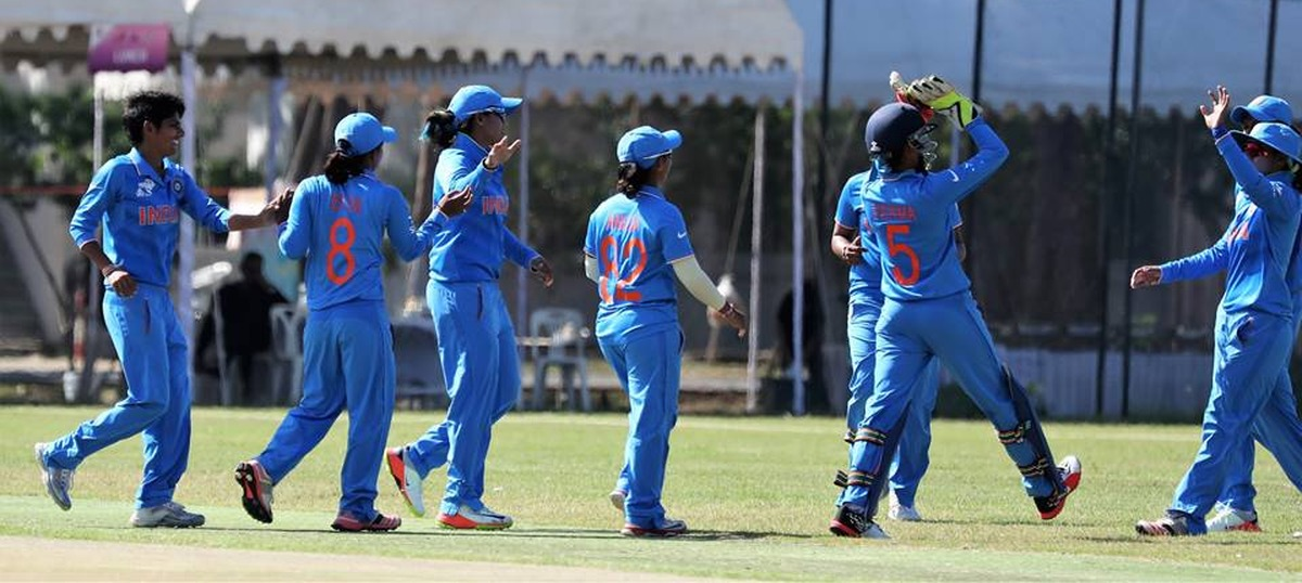 Mithali Raj's unbeaten 73 helps India Women beat Pakistan by 17 runs and lift the Asia Cup