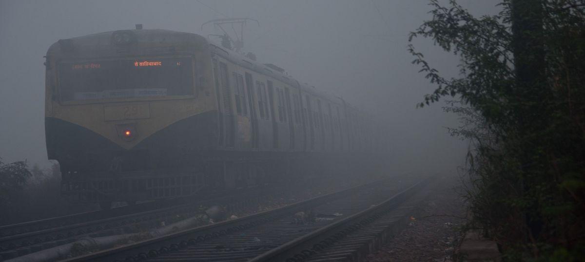 Heavy fog in Delhi: 12 trains cancelled, 9 flights delayed