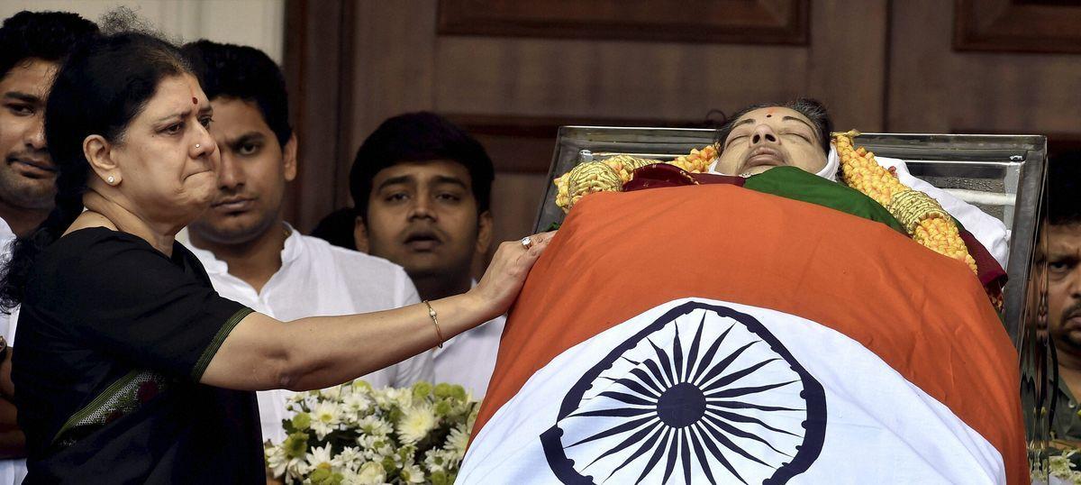Tamil Nadu: Senior AIADMK leaders ask Sasikala Natarajan to lead party after Jayalalithaa's death