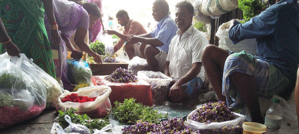 One month later, Chennai flower market is wilting – but vendors still support demonetisation