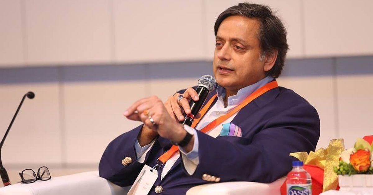 Sushma Swaraj,Shashi Tharoor spar over making Hindi official language at United Nations