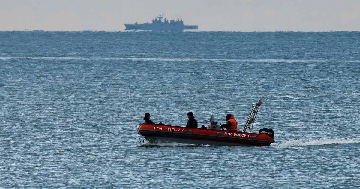 Black box from crashed Russian military plane found in Black Sea