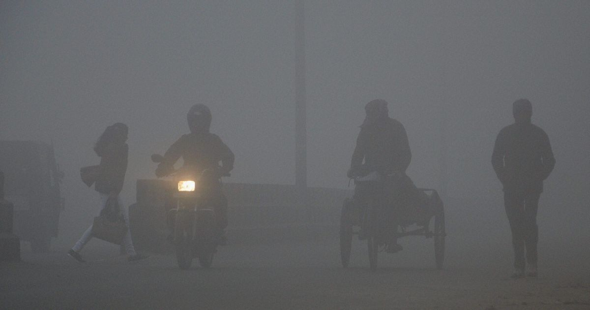 Air pollution in Delhi continues to remain at hazardous levels
