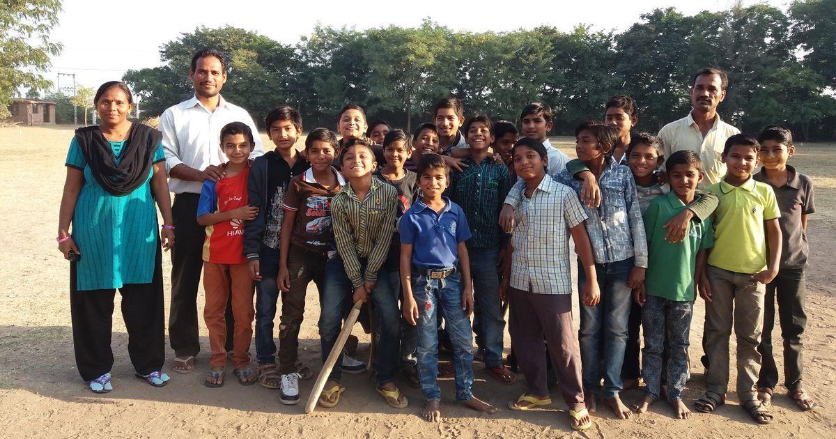गुजरात के स्कूलों में रोल कॉल के वक़्त नाम बुलाने पर अब बच्चे 'जय हिंद' या 'जय भारत' कहेंगे