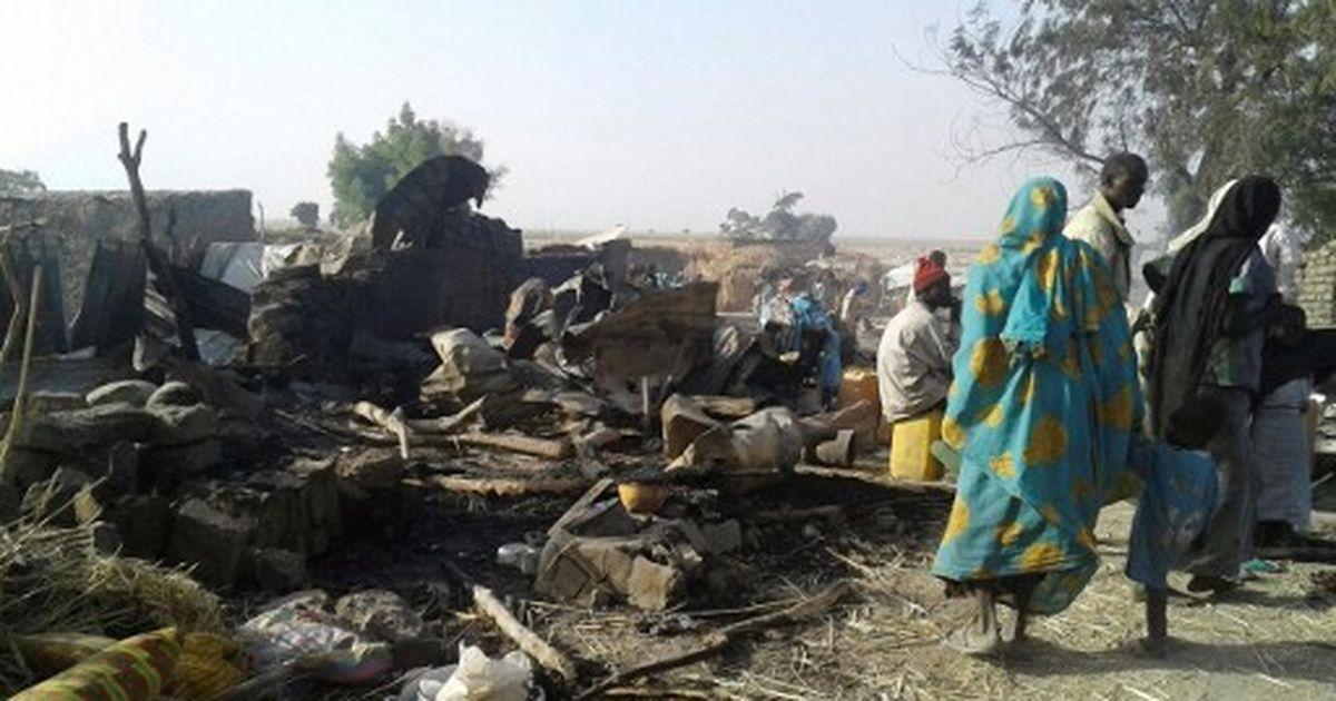 नाइजीरियाई वायु सेना ने गलती से विस्थापितों के कैंप पर बम गिराया, 100 से ज्यादा की मौत
