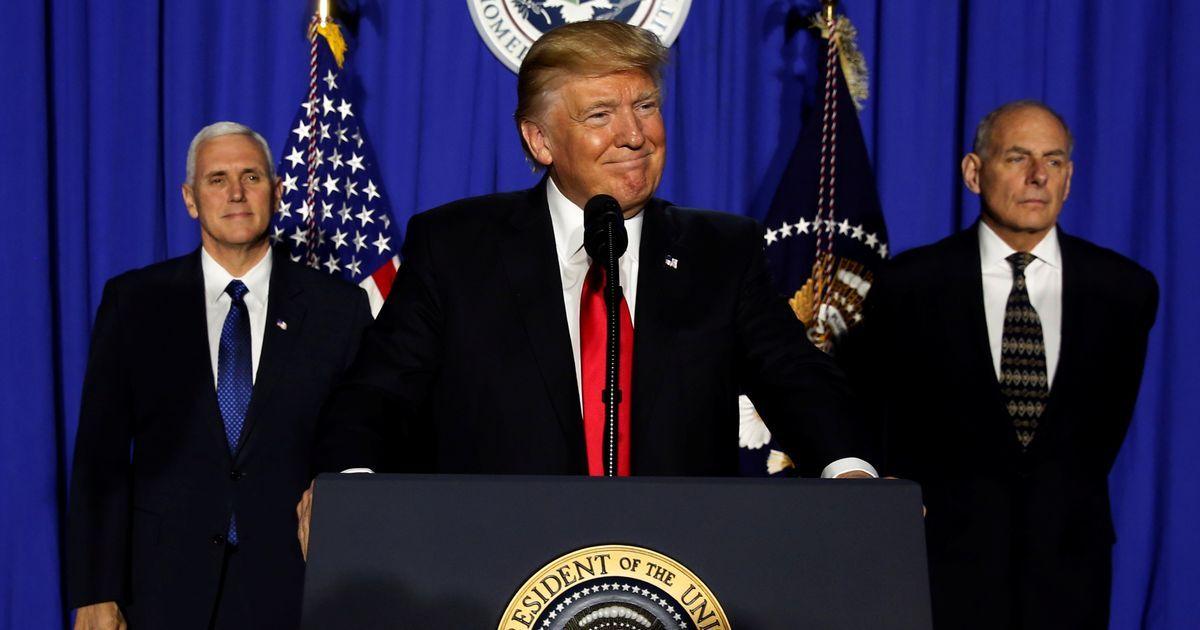 ट्रंप प्रशासन द्वारा कई पत्रकारों को व्हाइट हाउस में आने से रोके जाने सहित आज के बड़े समाचार