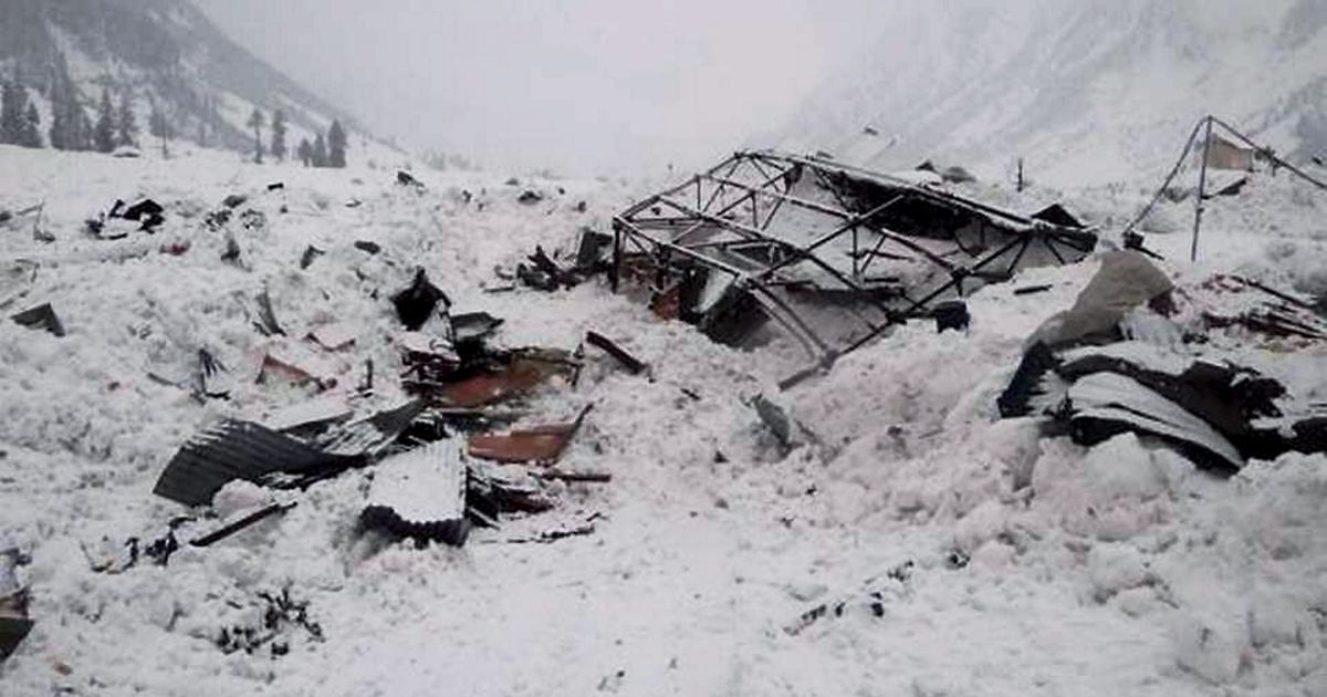 Jammu and Kashmir: Five soldiers rescued in Kupwara after snow track caves in