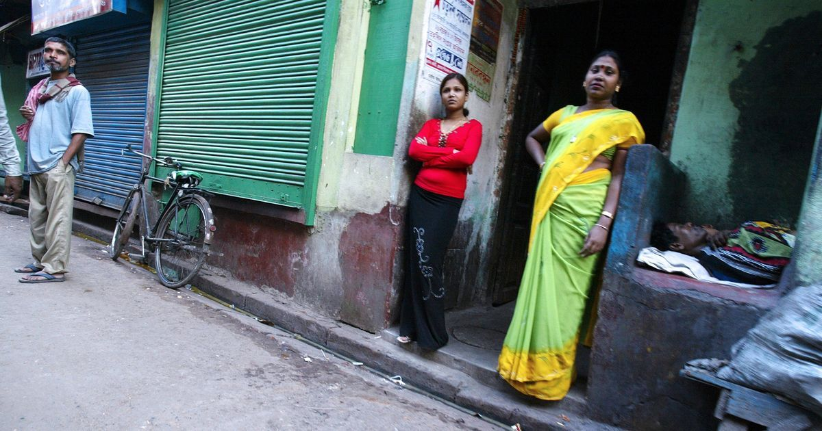 Brothel patrols are keeping minors and trafficked women ... Prostitution In Bengal