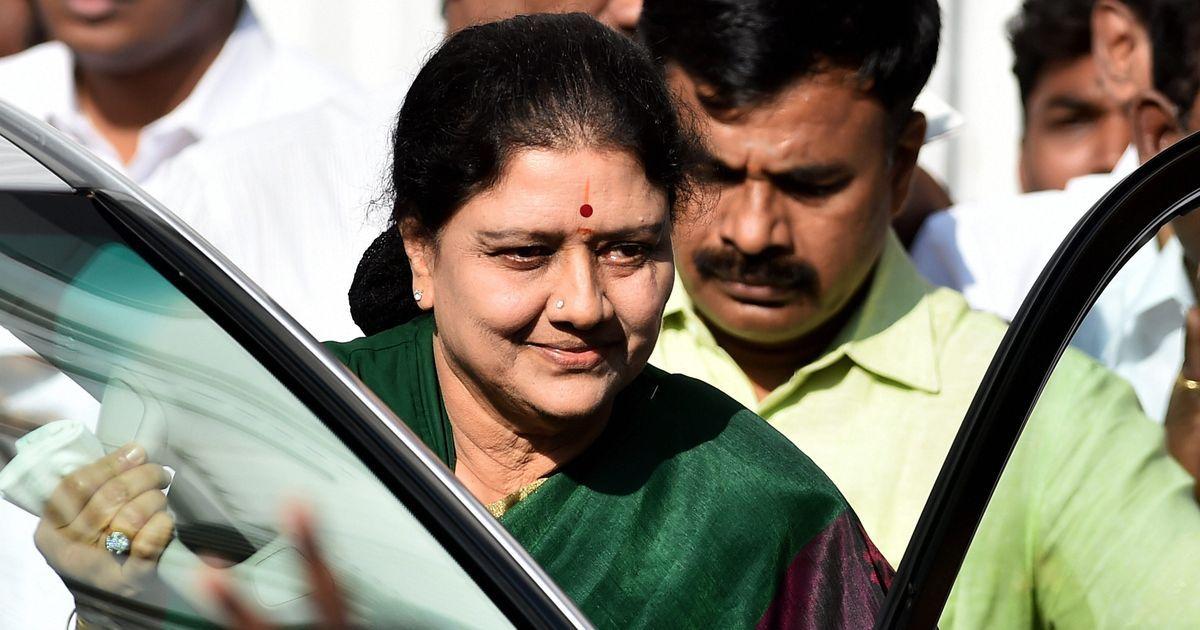 तमिलनाडु : शशिकला ने राज्यपाल से मुलाकात कर सरकार बनाने का दावा पेश किया