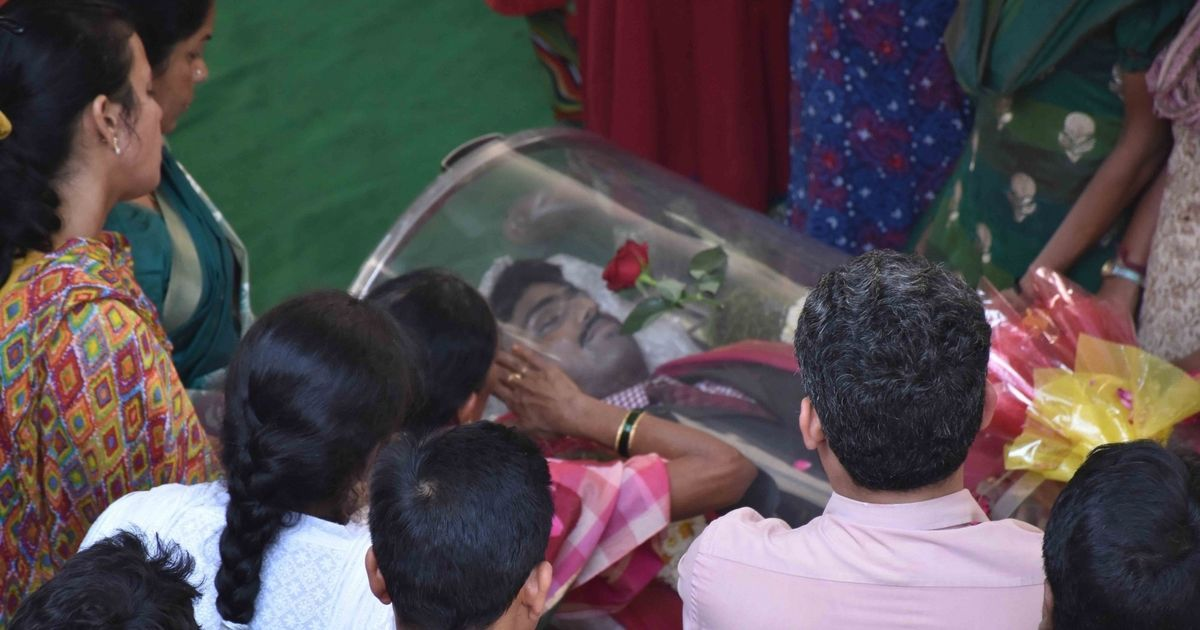Kansas shooting: Hundreds gather as Srinivas Kuchibhotla is cremated in Hyderabad