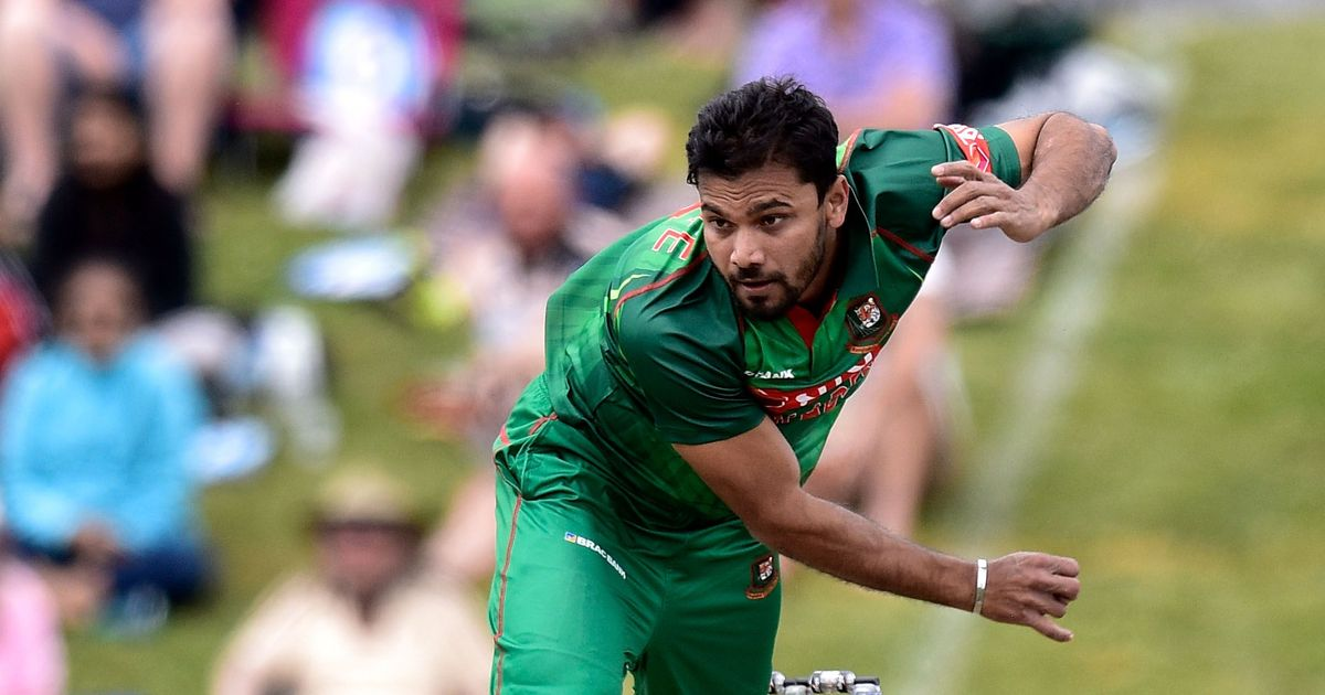Four balls, four wickets: Mashrafe Mortaza bowls a stunning last over in Dhaka Premier League
