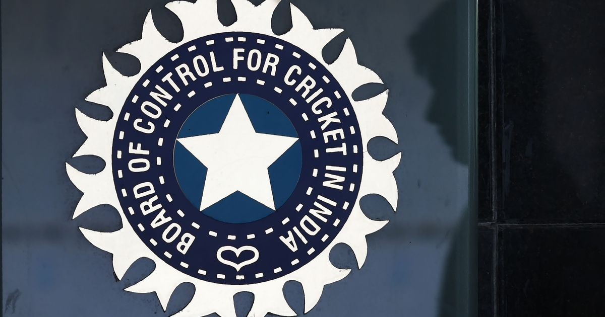 BCCI should be made transparent, accountable and answerable under RTI Act: CIC