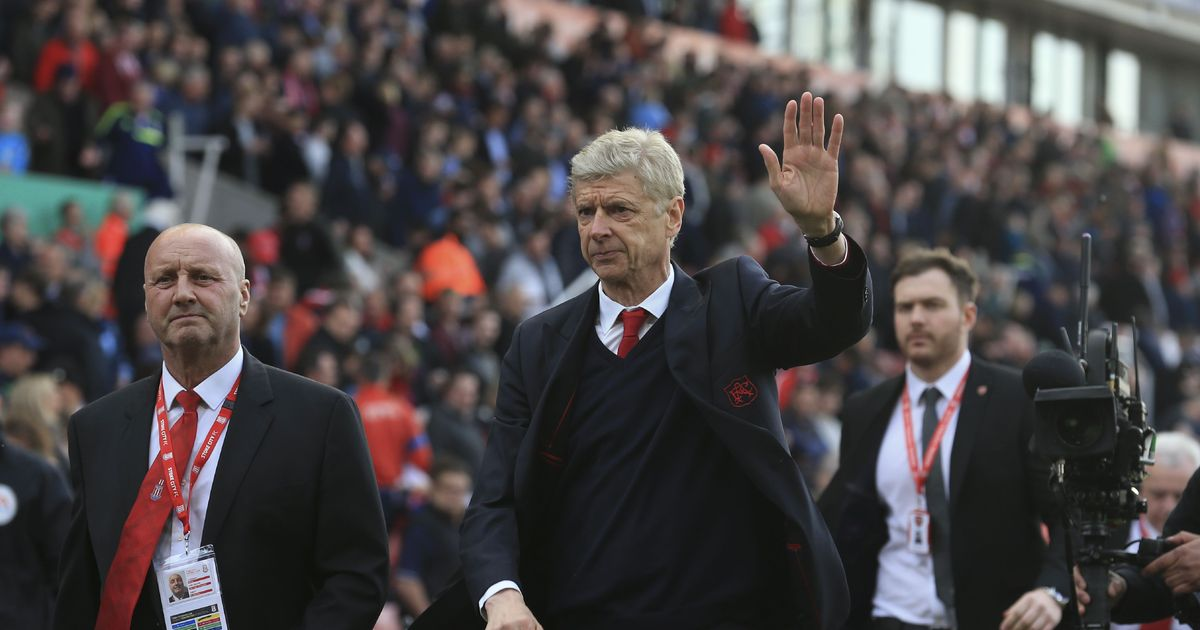 Arsenal's Arsene Wenger hammers teams already in the holiday mood