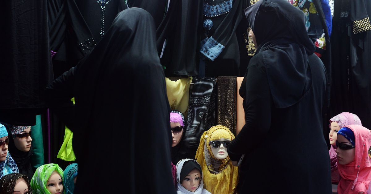 Triple talaq: Muslim law board says it will tell Qazis to advise grooms against the practice