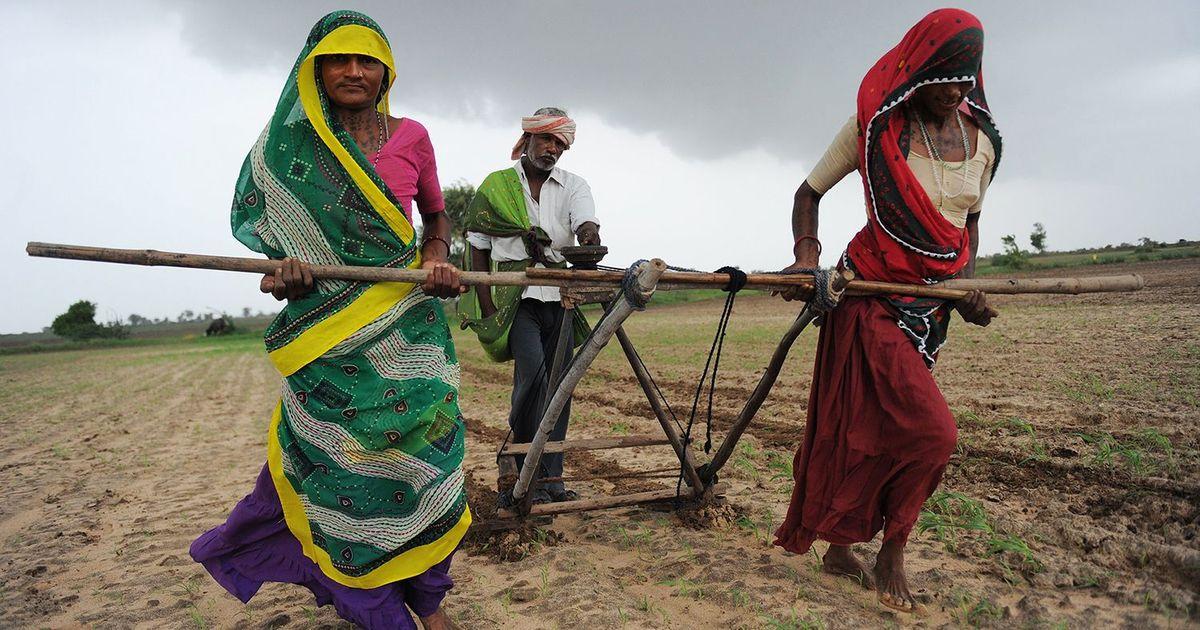 2022 तक किसानों की आय दोगुनी करने का दावा करने वाली मोदी सरकार की यह चुप्पी चिंताजनक है