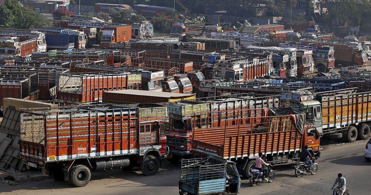 90 लाख से भी ज्यादा ट्रकों के चक्के दो दिन के लिए थमे