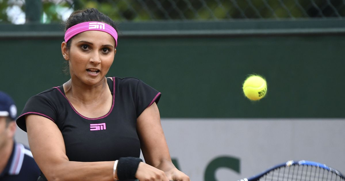 Sania Mirza battling a knee injury but remains undecided on undergoing surgery