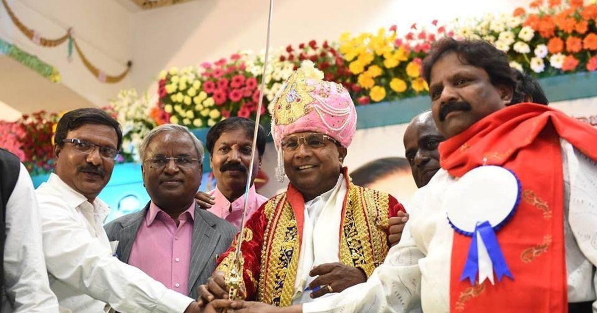 इन दिनों नेताओं के 'बात' करने का दौर चल रहा है और इसमें अब बारी कर्नाटक के मुख्यमंत्री की है