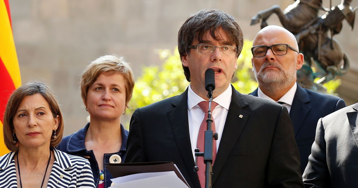 Sacked Catalan leader, four former aides turn themselves in to Belgian Police