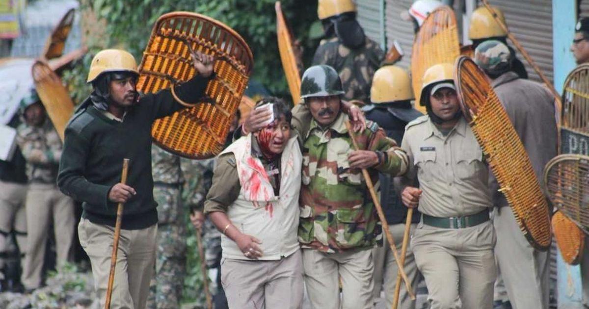 गोरखालैंड आंदोलन : प्रदर्शनकारियों और सुरक्षा बल के बीच झड़प में एक अधिकारी सहित तीन की मौत