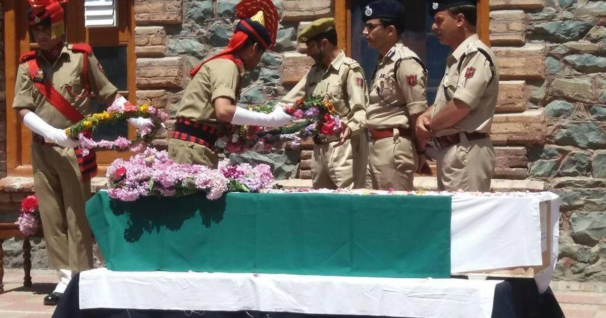 Kashmir: Police officer lynched in Srinagar, two arrested