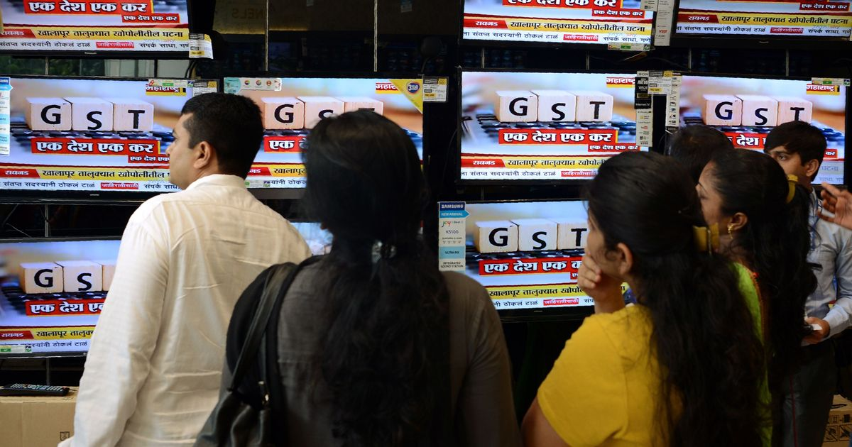 Glitches have delayed filing of returns under GST regime, admits government panel