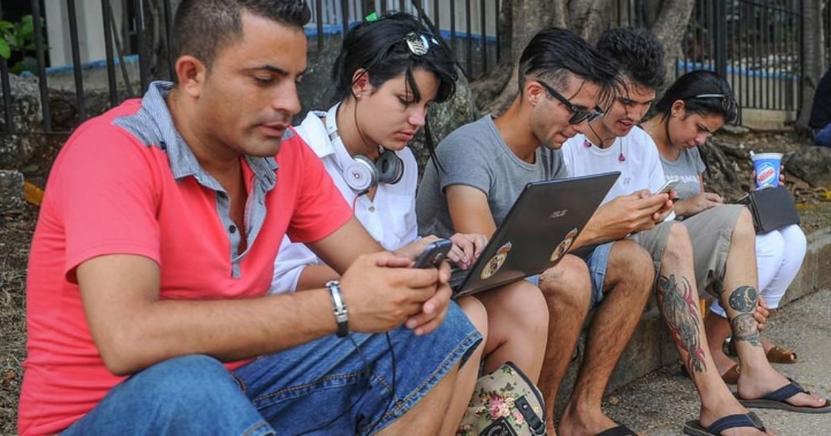 डिजिटल इंडिया के लिए मोदी सरकार अगले 15 महीनों में 7.5 लाख वाई-फाई हॉटस्पॉट बनाएगी