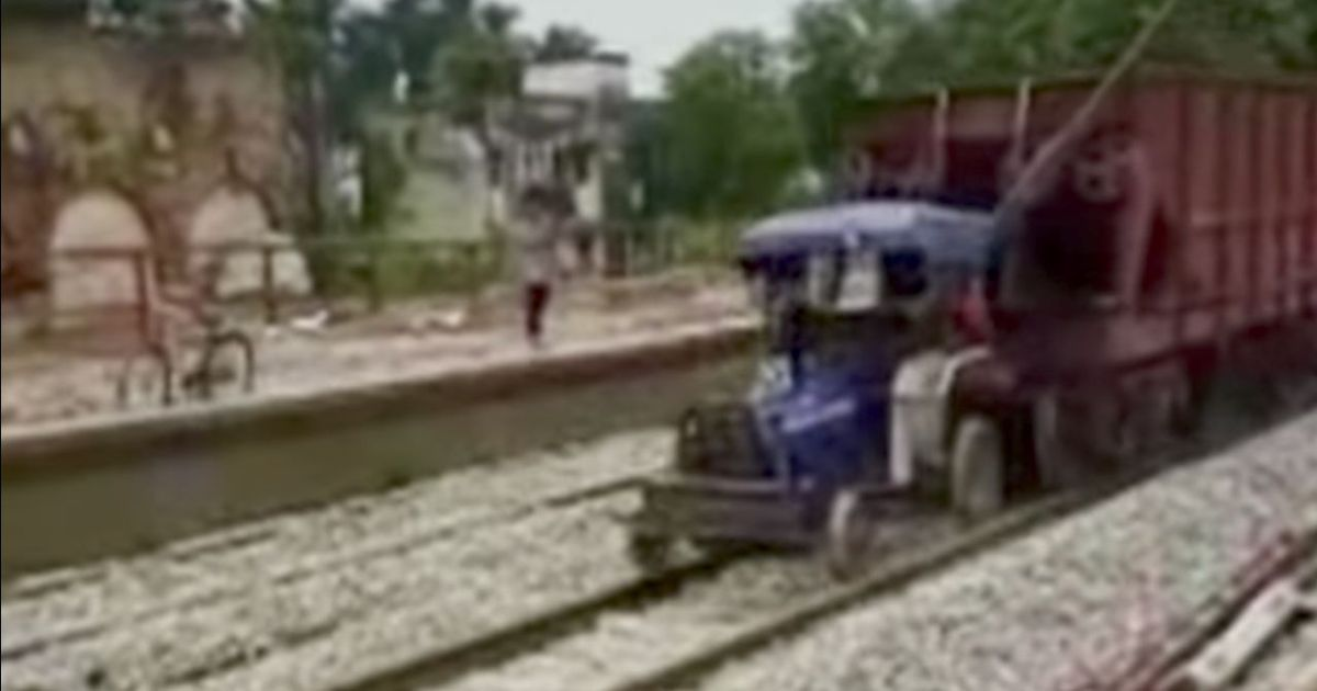 Watch: Loaded train carriages speed off on the tracks without an engine