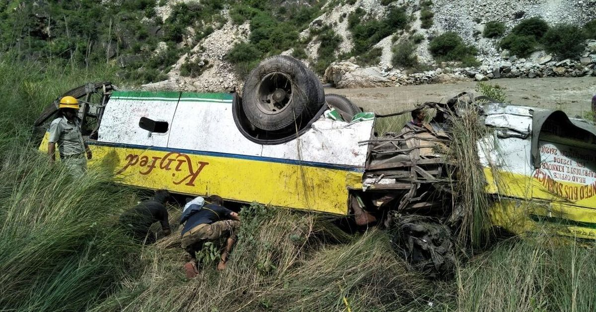 28 dead after bus falls into gorge near Shimla's Rampur