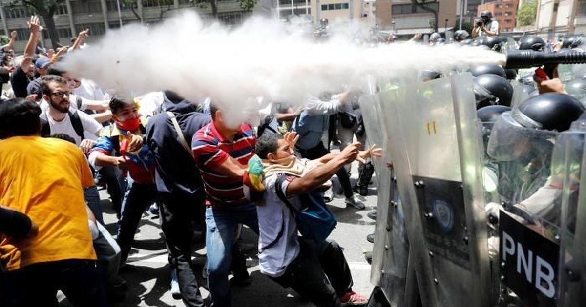 Venezuela's new assembly gives itself power to pass legislation