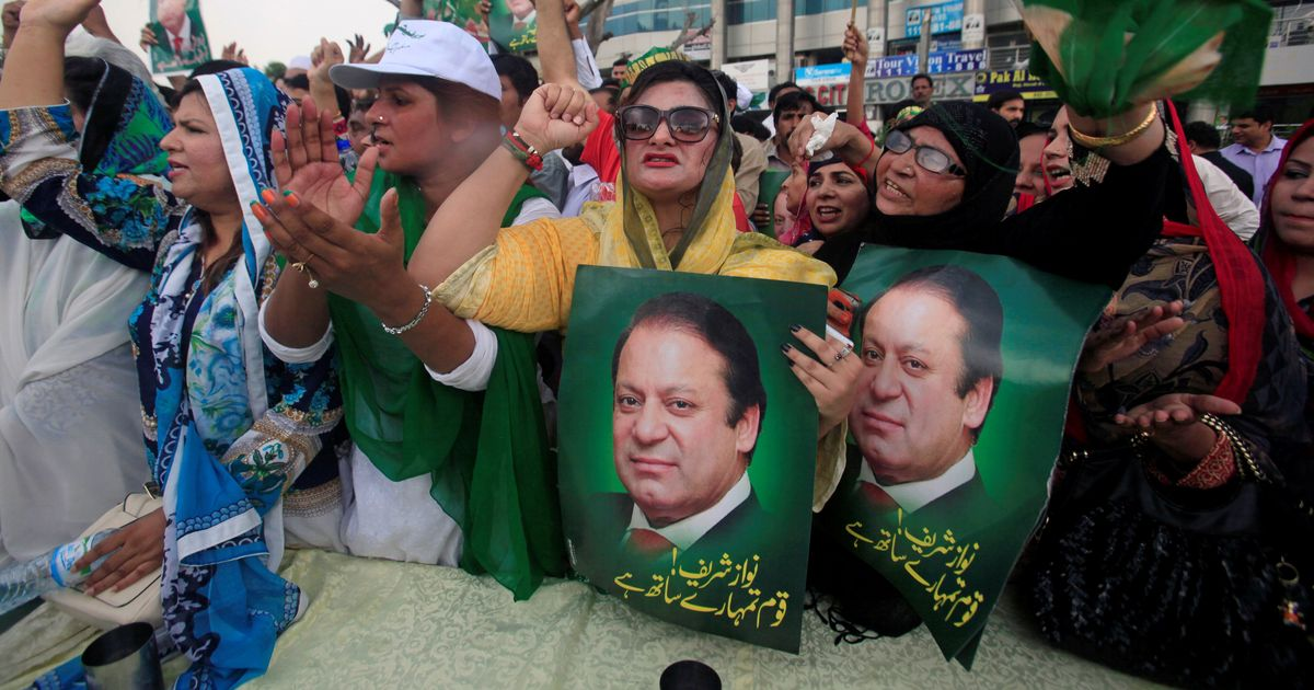 क्या नवाज़ शरीफ पाकिस्तान के सुप्रीम कोर्ट के खिलाफ जनता को लामबंद करने की कोशिश कर रहे हैं?