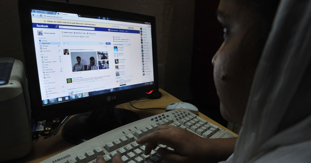 SC poser to online giants on offensive content