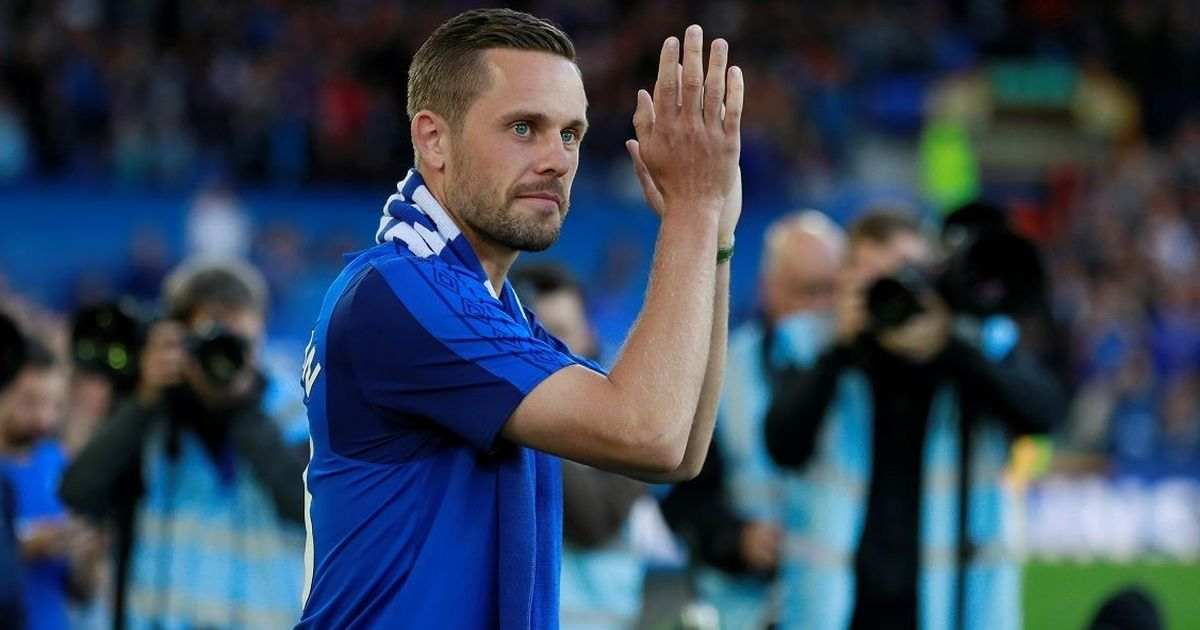 Everton finally complete deal for Swansea City midfield star Gylfi Sigurdsson