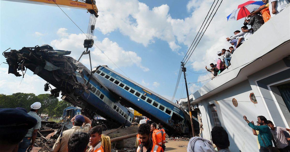 चार दिन में दो रेल हादसों के बाद रेलवे बोर्ड के चेयरमैन ने इस्तीफा दिया