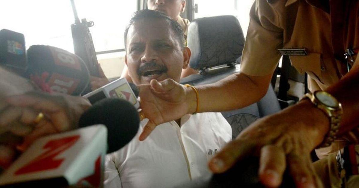 मालेगांव बम धमाके में आरोपित कर्नल पुरोहित के जेल से रिहा होने सहित दिन के बड़े समाचार