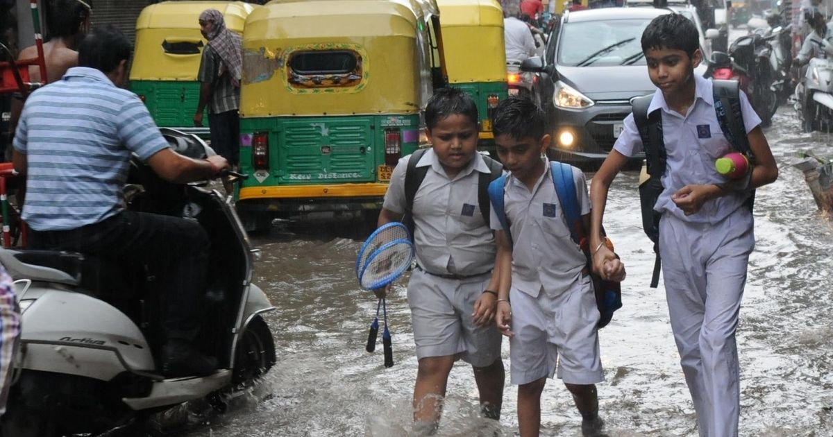 Traffic jams in Delhi after 2 hours of heavy rain