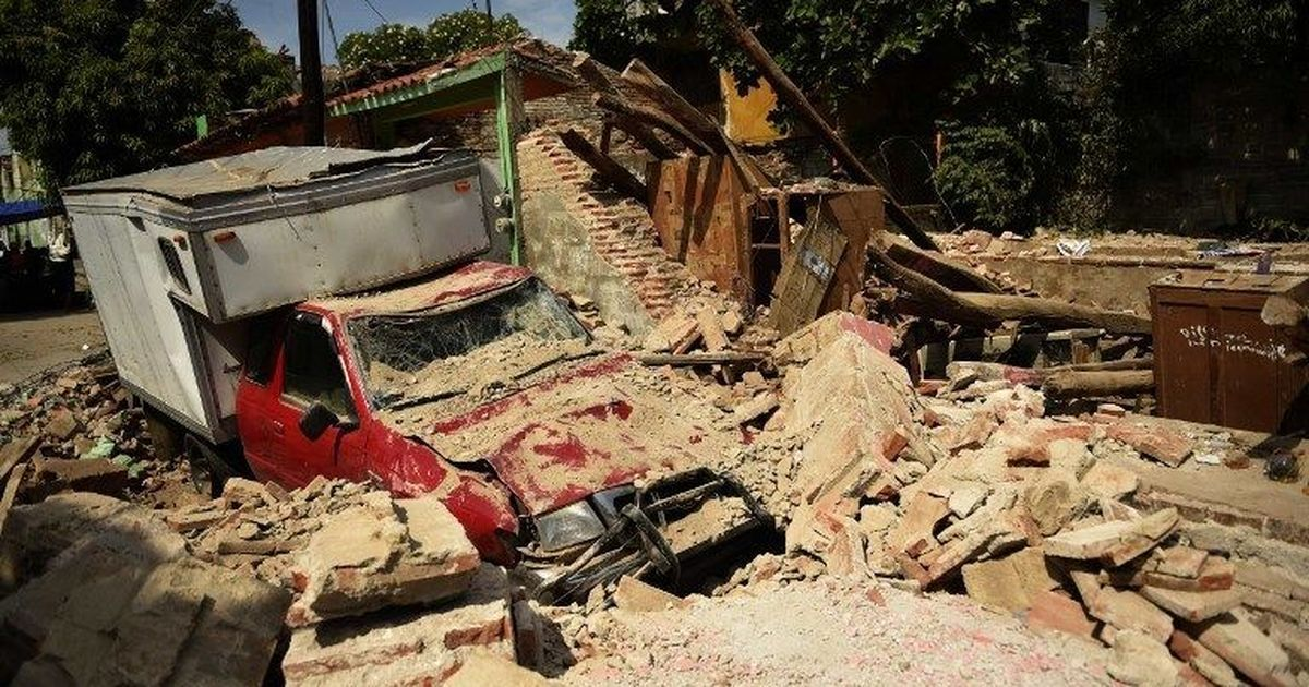 Mexico hit by massive earthquake, 4 killed